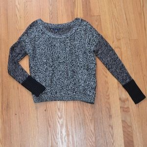 ✨ American Eagle Outfitters Knit Sweater ✨